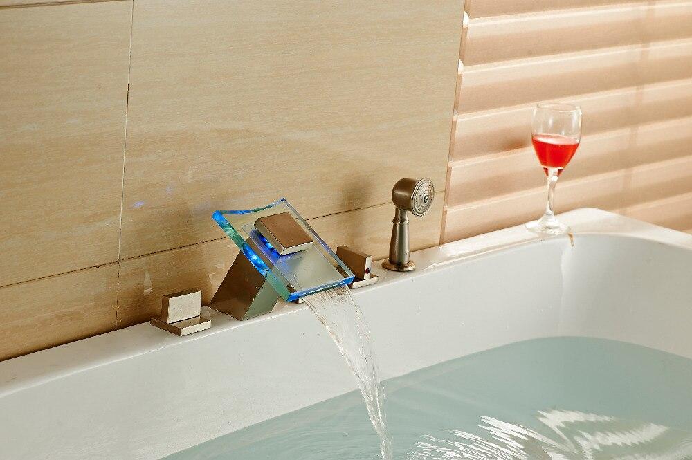 LED Цвет изменение водопад Ванная комната ванной кран на бортике Никель Brushed Tap