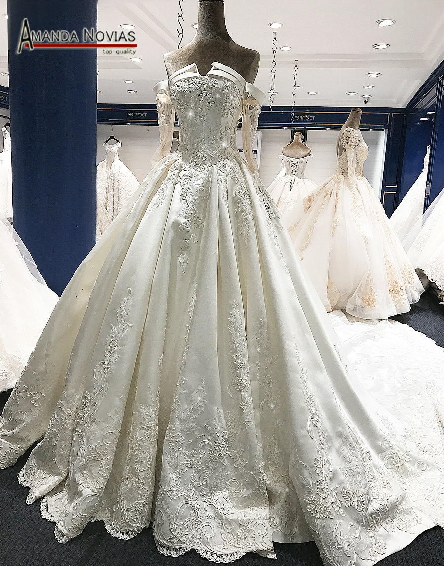 Amanda Novias Real Photos Luxury Long Train Wedding Dresses Full Beading  With Sleeves 2017-in Wedding Dresses from Weddings   Events on  Aliexpress.com ... 212436960493