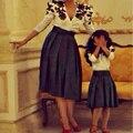 2017 V Cuello Appliqued Corto Madre e Hija Juego Formal Vestido de fiesta Una línea de Flores Gril Vestido de noche Hasta La Rodilla vestidos