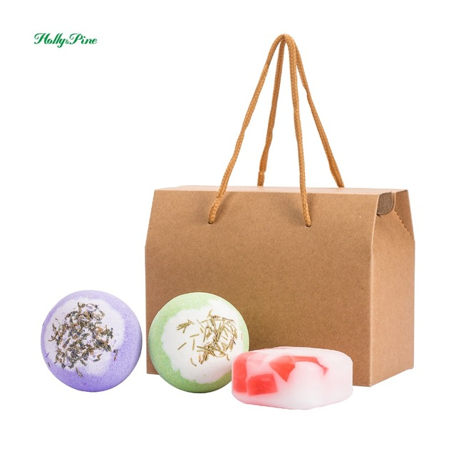 2X120g bath bombs, 100g handmade soap , aromatic scents, moisturizing ingredients, handmade, gift sets.