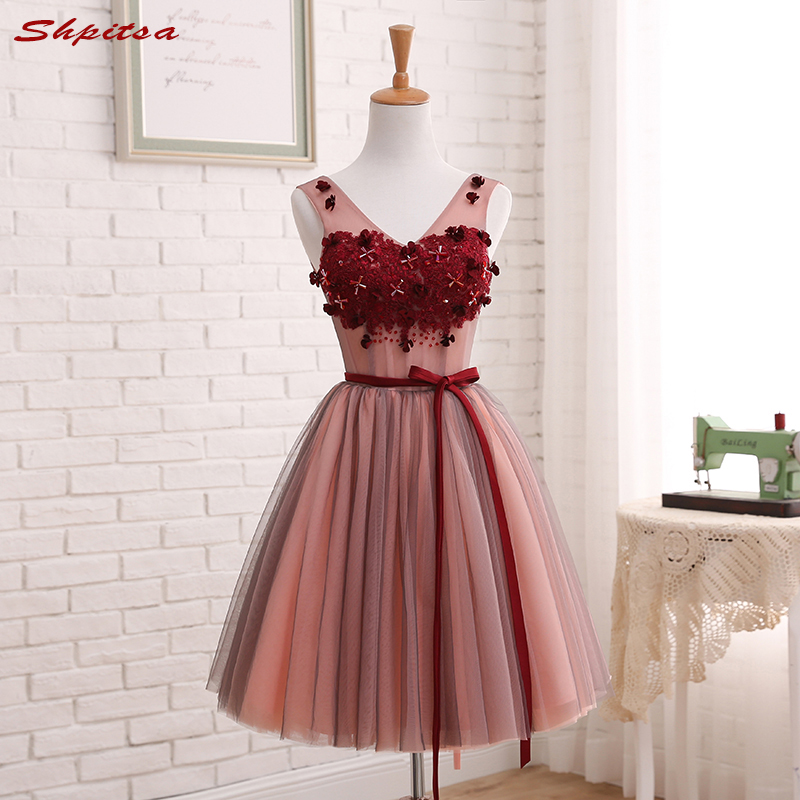 Short Lace Homecoming Dresses Beaded 8th Grade Prom Dresses Junior High Cute Cocktail Graduation Dresses