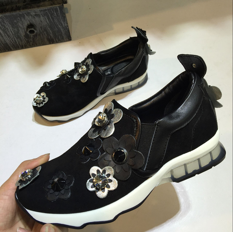 2017 New Spring Summer Shoes Woman Casual Flats Appliques Flowers Shallow Slip On Flats Leather Designer Woman Shoes Flats Tide цена 2017