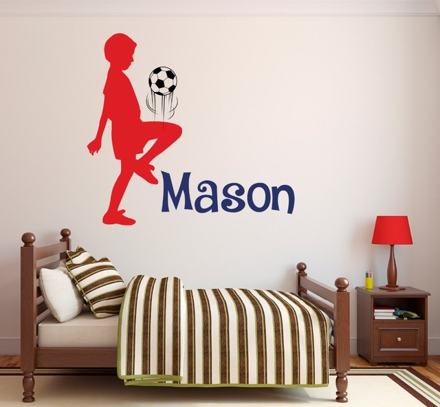 Menino Que Joga Futebol Silhueta Nome Personalizado Adesivo De Parede  Personalizado Nome Dos Meninos Nursery Room 57a5aaef81e9f