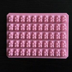 Image 1 - 실용적인 귀여운 거미 곰 50 캐비티 실리콘 트레이 초콜릿 캔디 아이스 젤리 금형 만들기 diy 어린이 케이크 도구 도매 D0026 1