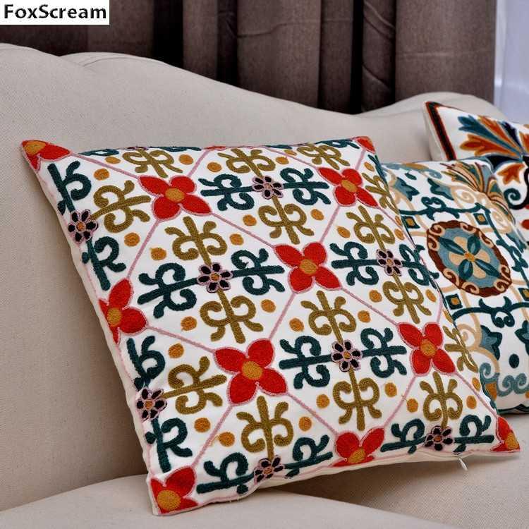 ... Геометрическая Декоративные наволочки подушки вышитые подушки Чехол  желтый цветок вышивка наволочка домашнего декора для диван 45x45 ... c8fd6aa0a5968