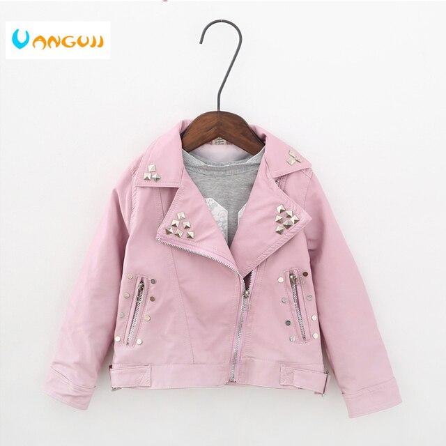 Весенне-осенняя куртка для девочек 2-7 лет, модная куртка из искусственной кожи, пальто с лацканами, мотоциклетные кожаные куртки с металлическими заклепками и ремнем для детей