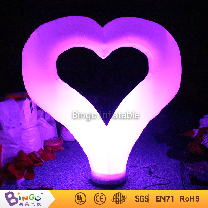 Valentine's Day ground decoration Inflatable heart 2.4m high with led lighting for wedding party BG-A0681 flashing toy heart shape inflatable lamp post inflatable lighting decoration for wedding n valentine s day celebration light up toy