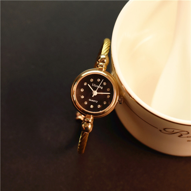 Luxury Crystal Exquisite Women Bracelet Watch Slim Band Small Dial Ladies Bangle Wristwatches Female Hour Black Gold WatchesLuxury Crystal Exquisite Women Bracelet Watch Slim Band Small Dial Ladies Bangle Wristwatches Female Hour Black Gold Watches