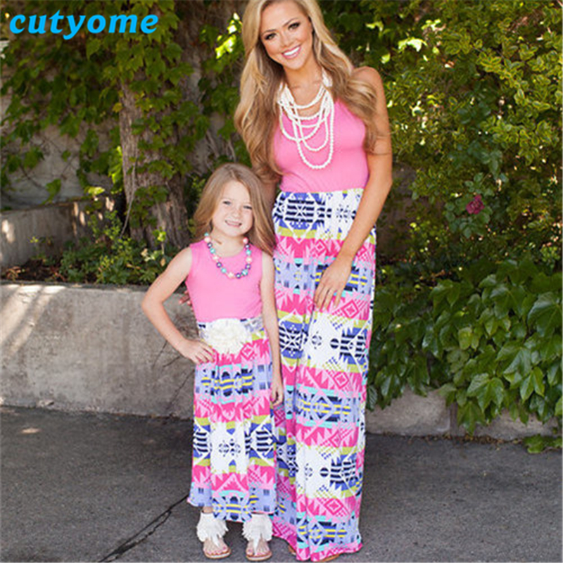 Платья для мамы и дочки одежда для всей семьи cutyome макси в стиле пэчворк жилет Повседневные платья для мамы и меня подходящая друг к другу од...