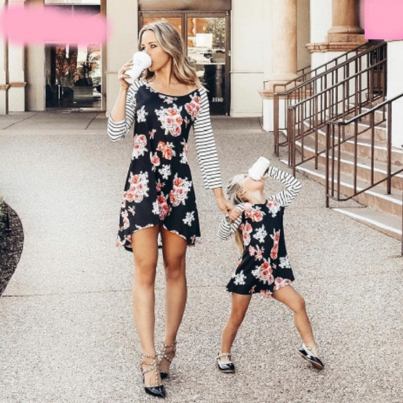 2019 Mother Daughter Dresses Shirts Women Floral Striped Dress Baby Girl Mommy and  Mini Me Dress Mum Little Girls Party Clothes girl