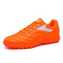 Los nuevos estudiantes adultos de fútbol de los hombres botas tobillo al  aire libre TF suela zapatillas de fútbol deportes Futsa. d0051046bd2b9
