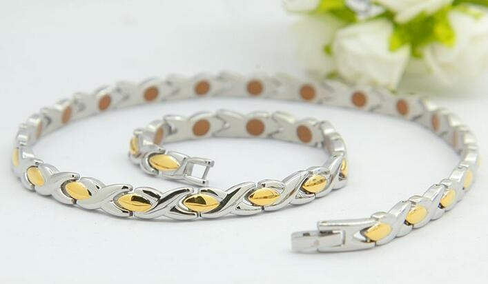 9024-gold-silver