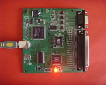 For Matlab USB2.0 high speed data acquisition card simulation analysis of 12 bit 4 channel 6MSPS analog AD/DA