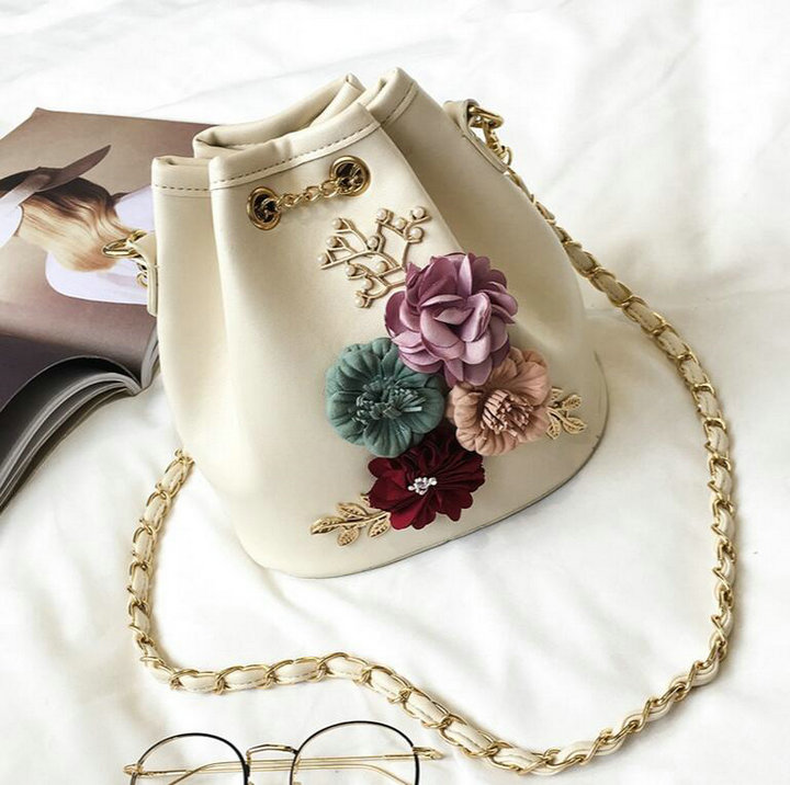 ... Shoulder Bags With Chain Drawstring Small Cross Body Bags Pearl Bags  Leaves Decals H153. size   18CM 19CM 12CM. Following Are Real Pictures Show! f2951f80074c