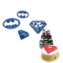 4pcs Superman and Batman plastic mold cookie cutter fondant cutter fondant moulds cake decorating tools for sugarcraft bakeware