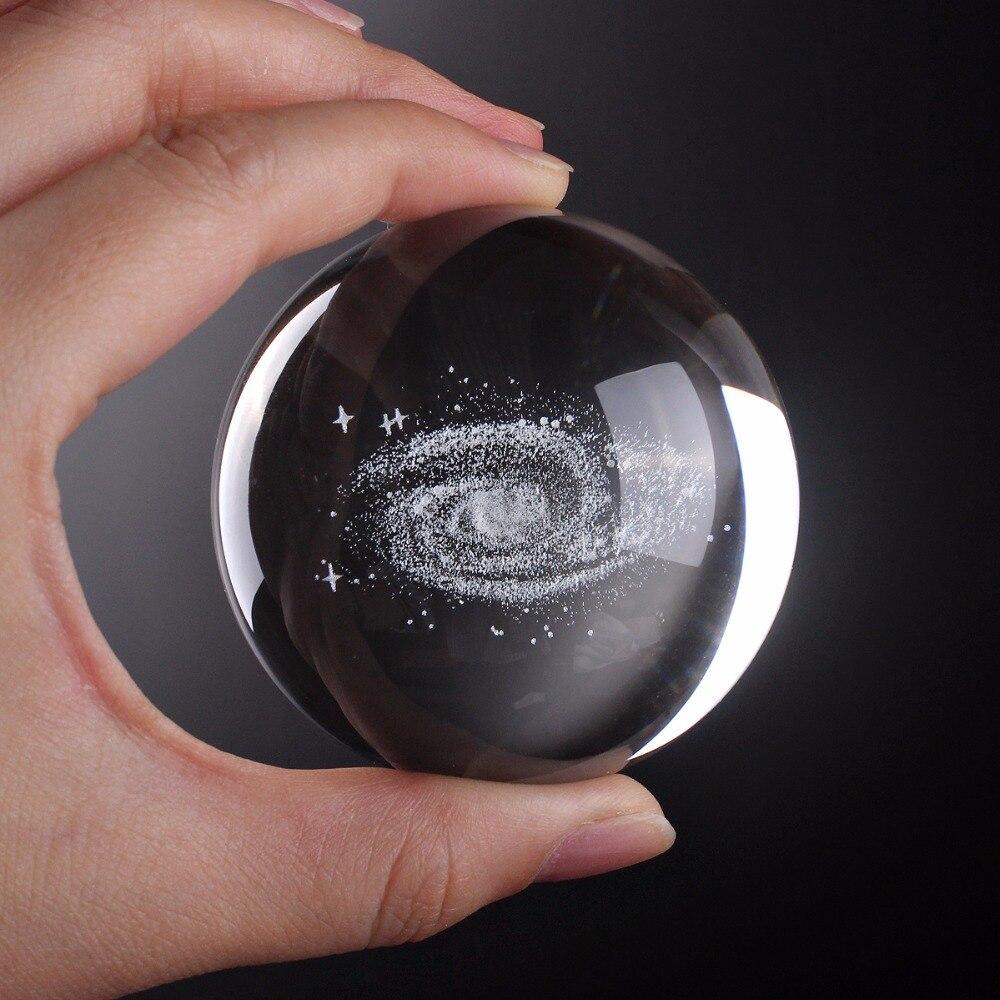 60mm Boule De Verre 3D Laser Gravé galaxy Boule de Cristal Feng Shui Globe Décoration de La Maison Accessoires Miniatures Cadeaux
