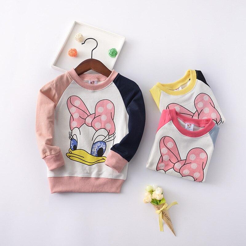 a49578cdea8a 3-7 años bebé niña primavera otoño único de manga larga Top Impresión de  dibujos animados Donald pato suéter empalme manga deportes de moda abrigo ~  Free ...
