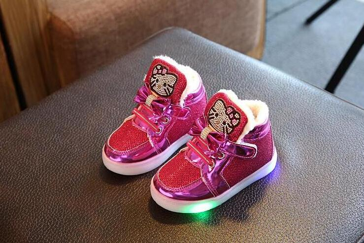 2017 New Spring Autumn Winter Children&#8217;s Sneakers Kids Shoe <font><b>Chaussure</b></font> <font><b>Enfant</b></font> Hello Kitty Girls Shoe With <font><b>LED</b></font> Light EU 21-30