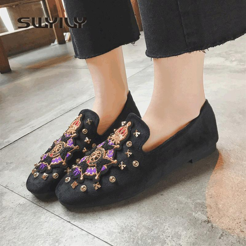 SWYIVY Woman Casual Shoes Flat Embroidery Badge 2018 Velvet Flat Female Slip On Lazy Shoes Comfortable Female Casual Shoes Rivet swyivy women sneakers light weight 2018 41 woman casual shoes slip on lazy shoes comfortable candy color breathable net shoe
