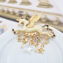 Vintage Animal Unicorn Horse Rhinestone Star Brooches Pins For Women Personality Elegant Brooch Gifts