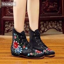 Veowalkレトロ女性刺繍綿レースフラットブーツ、秋のレディースカジュアル中国刺繍靴快適ブーツ