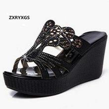 688ed2163 2018 Novo Verão Strass Elegante Moda Sandálias Mulheres Chinelos Sapatos de Couro  Genuíno Cunhas Plataforma Sandálias
