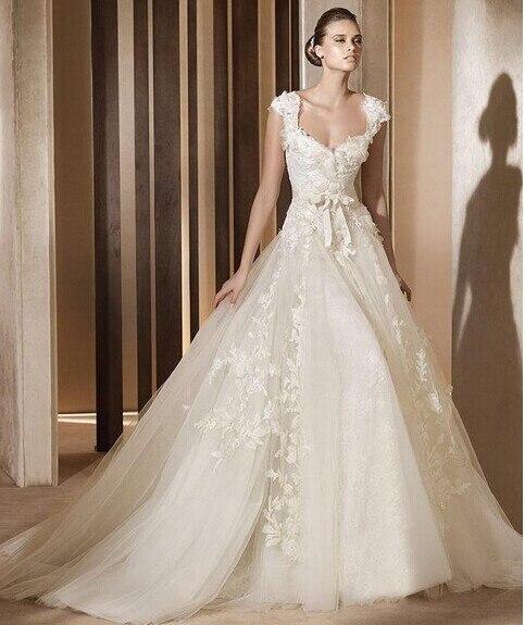 2015 New Designer2014 Bridal Gown Hot Sale Elie Saab Retro Design Cap Sleeves V Neck