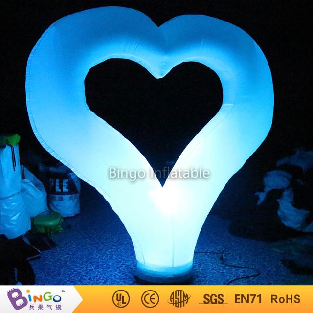 Free Express se Venden Bien iluminación de la decoración en forma de corazón de la boda inflables De China Fábrica De juguetes