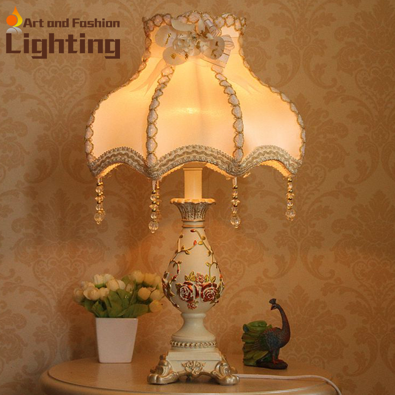 Quality Table Lamps: European Resin White Carved Top Quality Table Lamp Hotel
