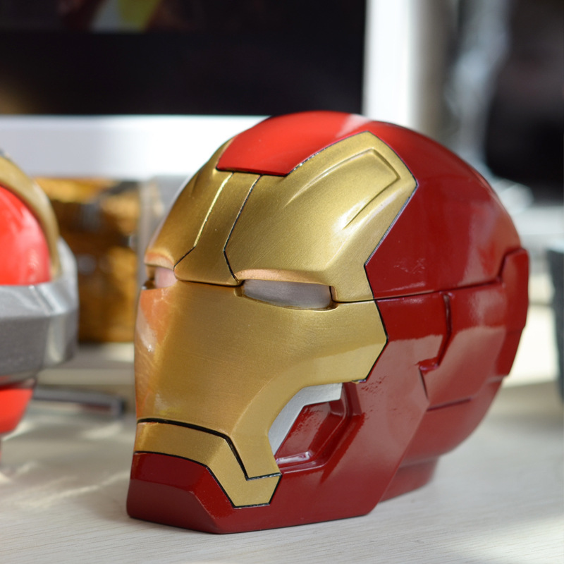 Iron Man Ashtray Assembly Model Transformation Robot Resin Ashtray Home Office Desktop Decoration Toys Hobbies Birthday Gifts