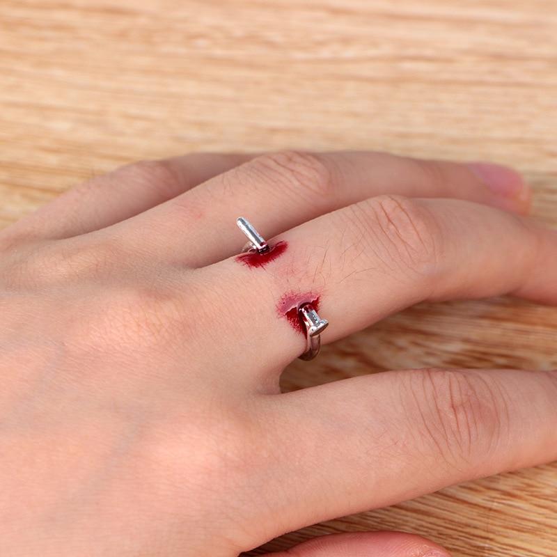 Creative Tricky Joke Toys Novelty Nail Ring Finger Bleeding Toys For Children Adult Halloween Party Gift For Friends Family Game