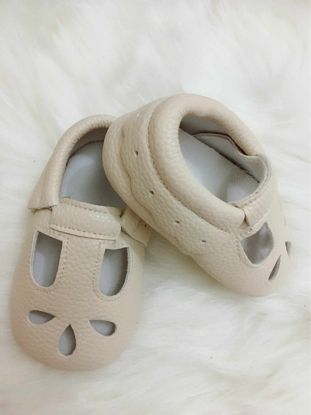 ... 2019 high quality Genuine Leather Hollow Water Drops style Baby  Moccasins Soft Sole Baby Boys Girls 53d9f96742cc