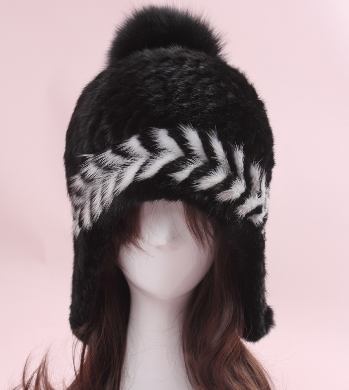 elegant winter women mink caps with imported natural fur.  luxury black hand knitted hat with large fur pompom.wholesale H18 women russian women natural fur cap luxury knit mink fur hat winter fur hat 5 colors