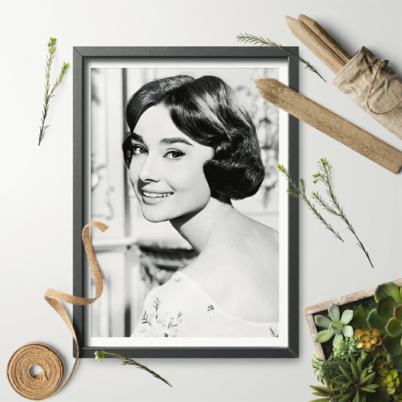 Canvas Audrey Hepburn Smiling Art print POSTER