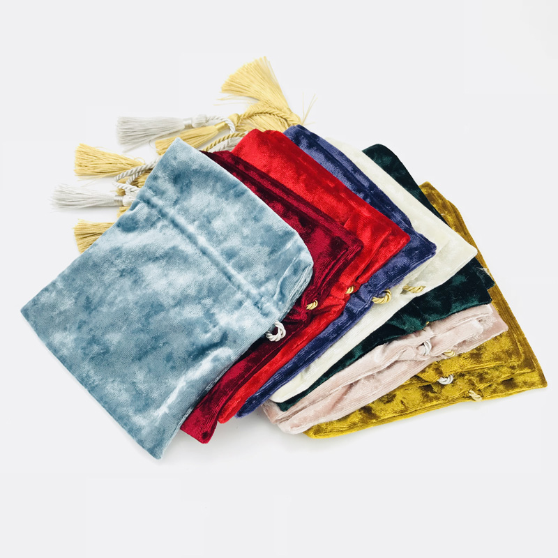 9.5x12cm Purple Gold Velvet Tassel Drawstring Bags Beige Gold Wedding Candy Velvet Bag Boutique Pouches Jewelry Packing Bags