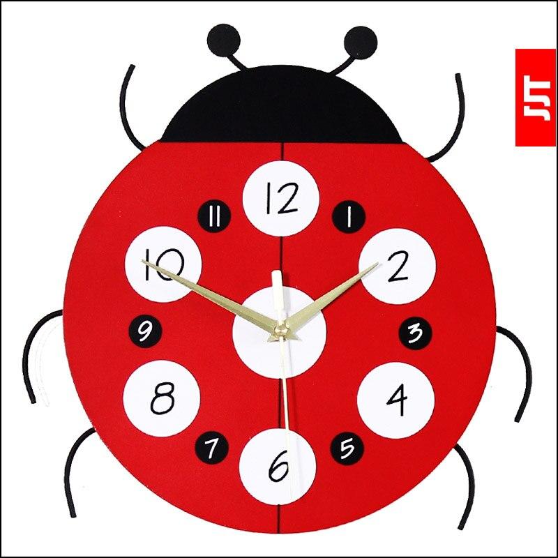 Horloge murale de dessin animé lumineux horloge muette de mode personnalisée horloges de décoration enfant