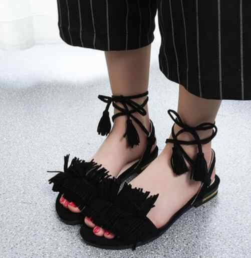 Сандалии с кисточками; сандалии-гладиаторы на квадратном каблуке с открытым носком; женская обувь черного, зеленого, красного цвета; женская обувь для вечеринок; zapatos mujer SandaliasD.