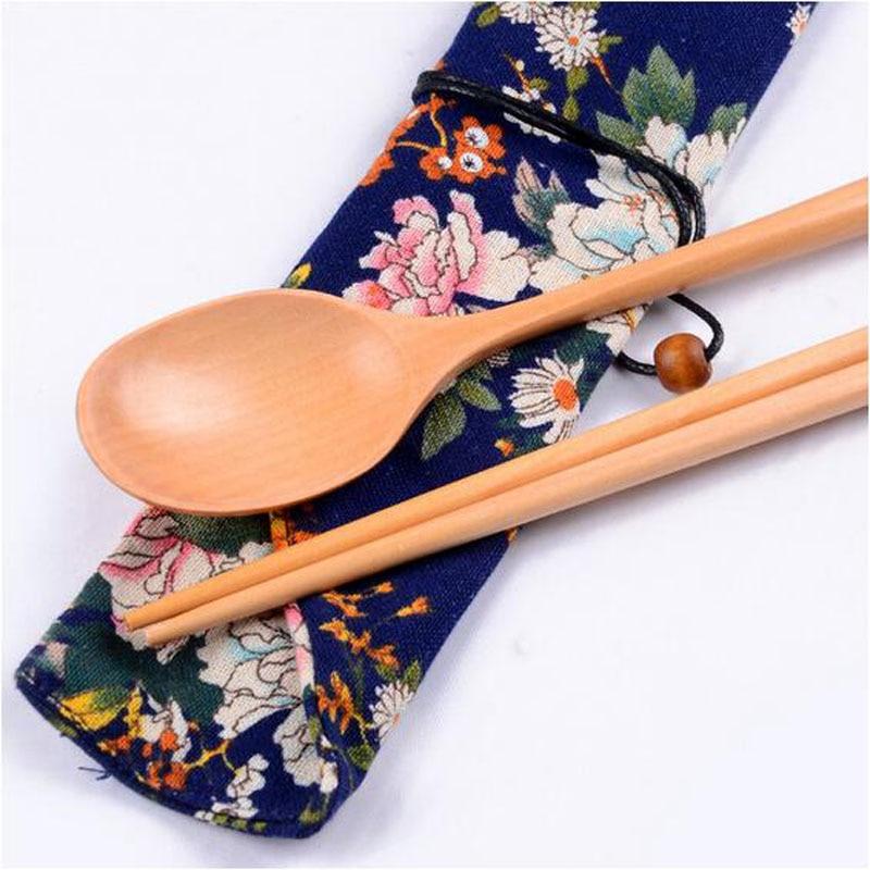 Chinese Eetstokjes En Lepels Gift Pocket Natuurlijke Beukenhout Bamboe Voedsel Sticks Handgemaakte Keuken Eetkamer Bar Servies 2019 Warme Lof Van Klanten Winnen
