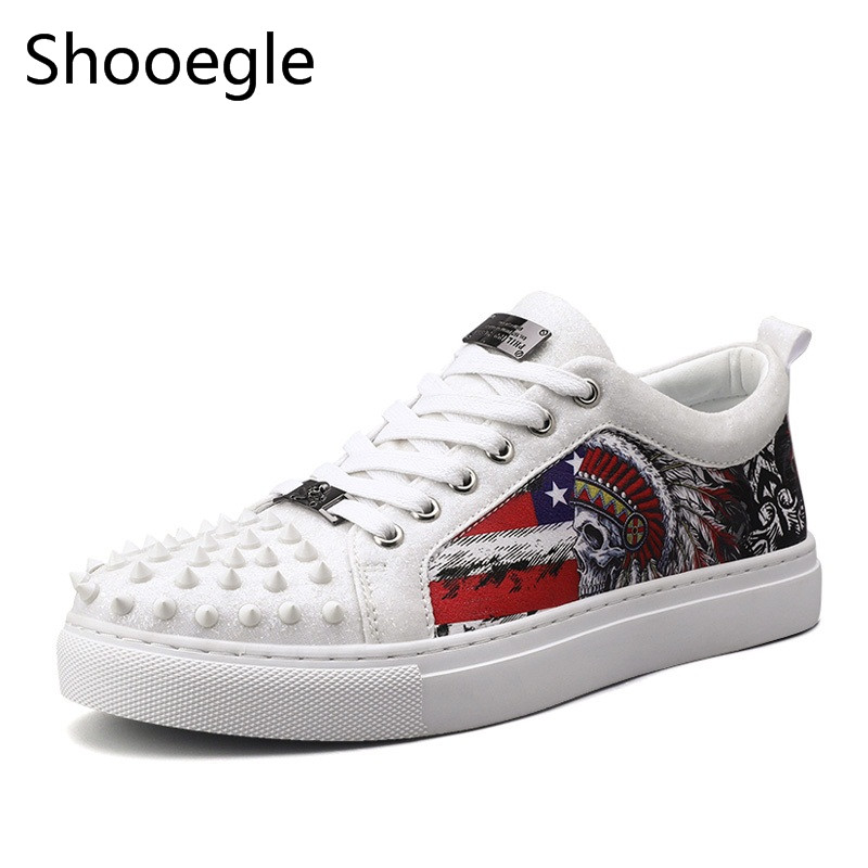Men Fashion Rivets Casual Shoes Street Style Graffiti Print Sneakers Lace Up Punk Shoes Men Zapatillas Hombre