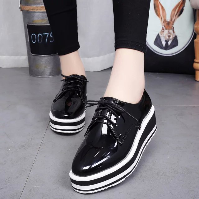 ФОТО 2016 England Style Women Shoes Trifle Oxfords Carved Vintage Bullock Shoes Woman Lace-up Fashion Platform Creppers