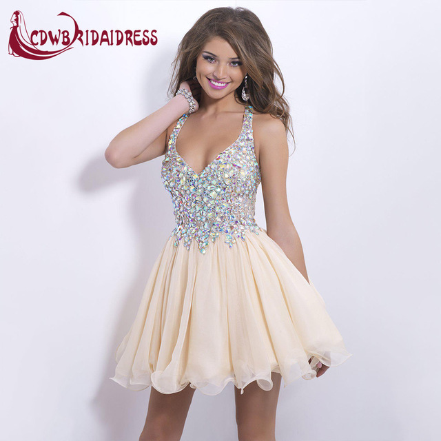 8th Grade Graduation Short Champagne Homecoming Dresses 2017 Luxury Fashion Crystal Beads Sexy V-Neck Cocktail Party Gowns