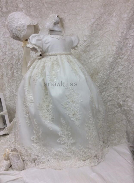 2016 New Baby Infant Beading Pearls Christening Gown Short Sleeves Lace Applique White/Ivory Baptism Dress Gown with Bonnet