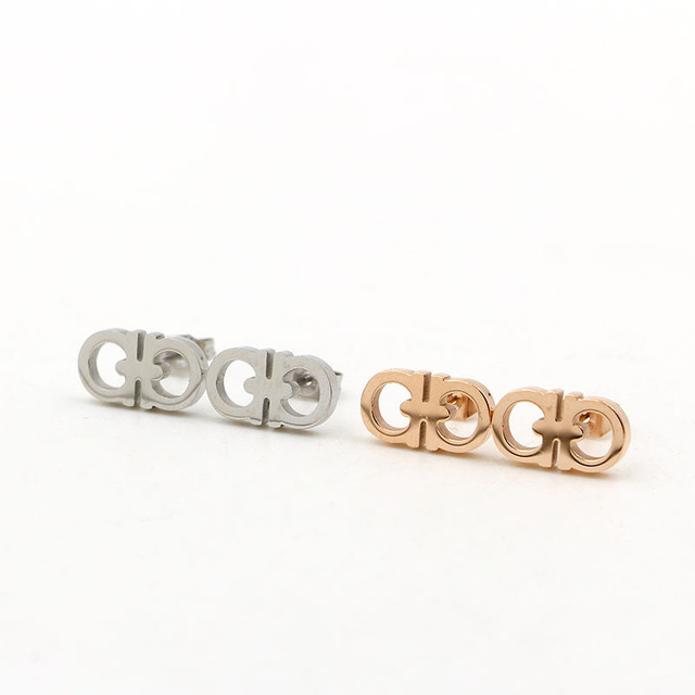 earrings listing any stud letter mglf gold initial il