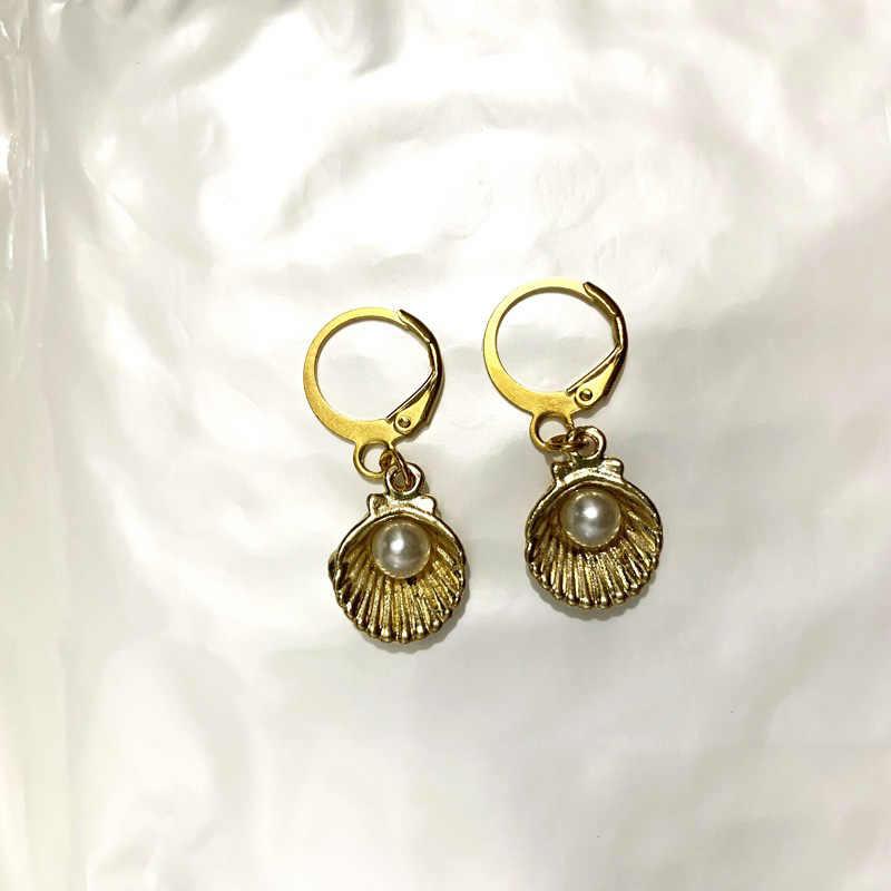 WTLTC Oro Ciprea Borsette Huggie Orecchini A Cerchio per Le Donne Boho Mare Borsette Perla Orecchini Dei Cerchi di Goccia Piercing Orecchini Con Il Fascino
