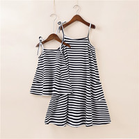 2018 New Style Parent Child Tshirt Dress Family Matching Outfits Short Sleeve Cotton Clothes Family Suit
