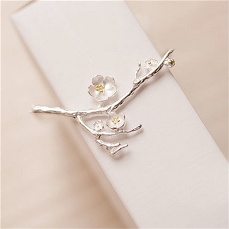 minimalist The plum flower brooch A birthday present Women act the role ofing is tasted ...