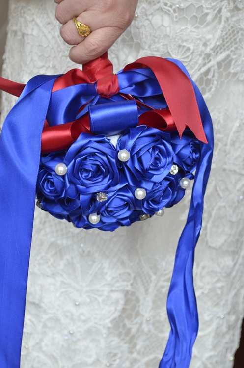 Купить с кэшбэком bridal wedding bouquet handmade silk satin Rose flower European Royal blue bride bouquet bridesmaid Wedding Bouquet de mariage