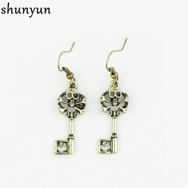 Shunyun Antique Bronze Vintage Skull Key Long Hanging Bohemian Drop Dangle Earrings For Women Fashion Wedding