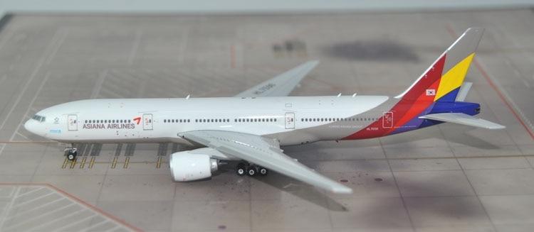 New products Phoenix 1: 400 11313 Asiana Airlines B777-200ER HL7596 Alloy passenger aircraft model Collection model 1 400 jinair 777 200er hogan korea kim aircraft model