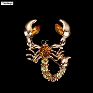 Personality Scorpion Brooch High-grade Crystal Animal Corsage Men's Brooch Pin H1095